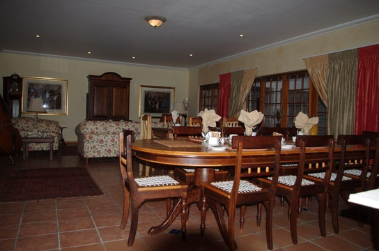 Lounge & Dining area, Fynbos Guest House